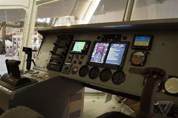 Найбільший у світі дирижабль Airlander 10 готують до льотних випробувань (20 фото)