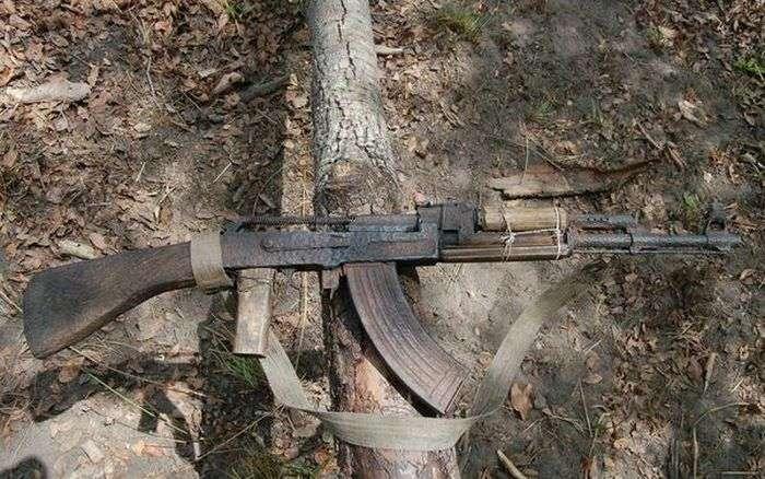 Невбиваний автомат Калашникова (2 фото)