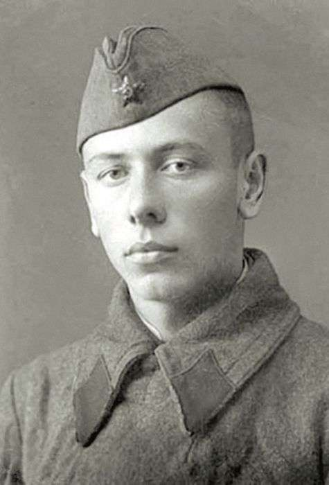 Армійські фото знаменитих фронтовиків (14 фото)