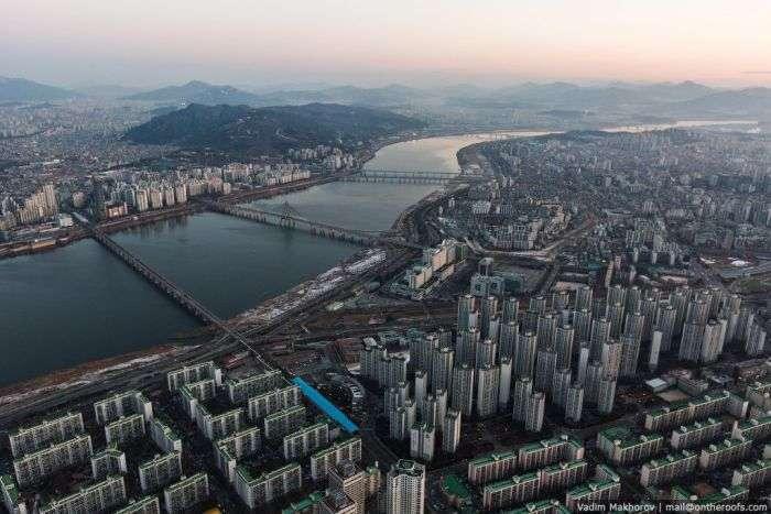 Російські руфери підкорили найвищу будівлю Кореї (4 фото + відео)