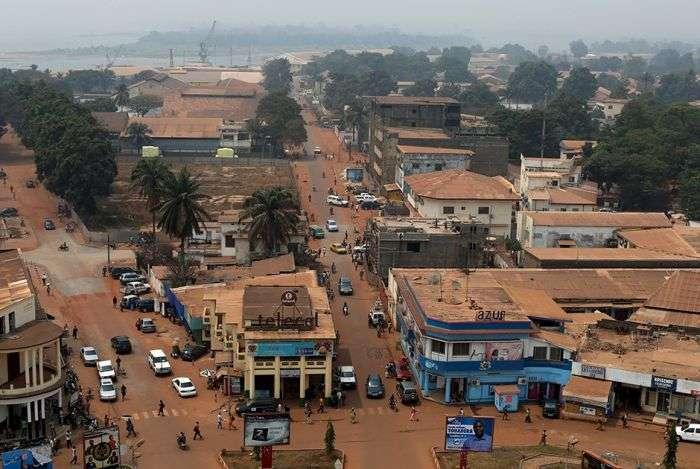Фото, що розповідають про життя найбіднішої і самої багатої країни світу (16 фото)