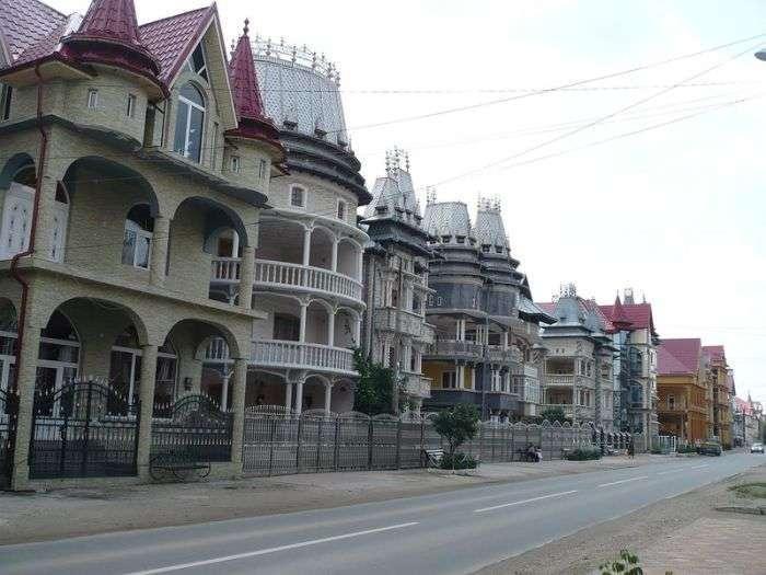 Бузеску - селище непристойно багатих циган (37 фото)