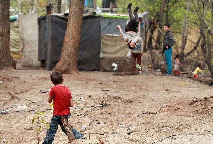 У Києві цигани розбили два табору (18 фото)