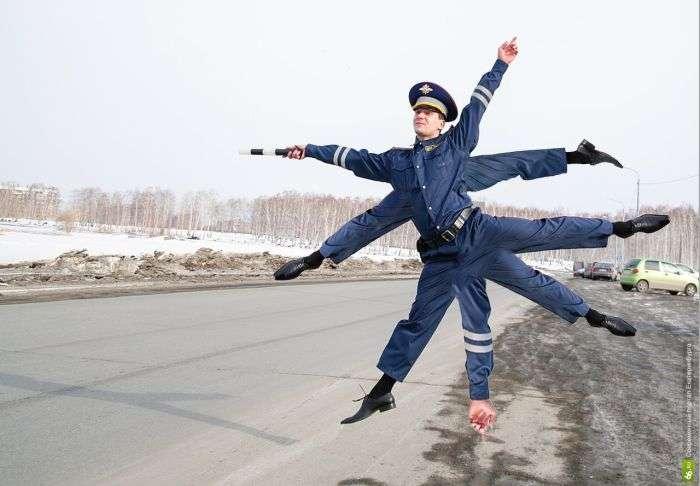 «Інспектор ДПС» став героєм фотожаб (25 фото)