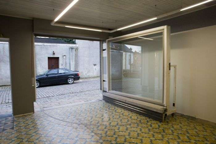 Незвичайний гараж бельгійця (13 фото)