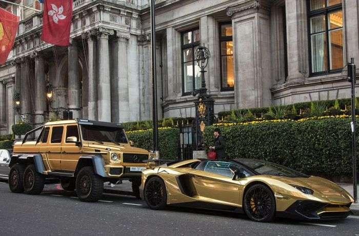 Мільярдер із Саудівської Аравії прибув до Лондона з особистим автопарком (12 фото)