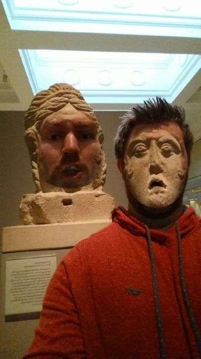 Обмін особами з музейними експонатами (11 фото)
