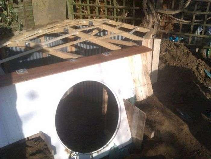 Хлопець побудував житло хоббіта у дворі власного будинку (23 фото)