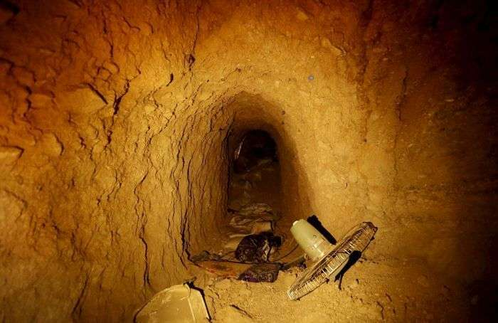 У звільненому від ИГИЛ місті Синджар знайшли розгалужену мережу підземних тунелів (7 фото)