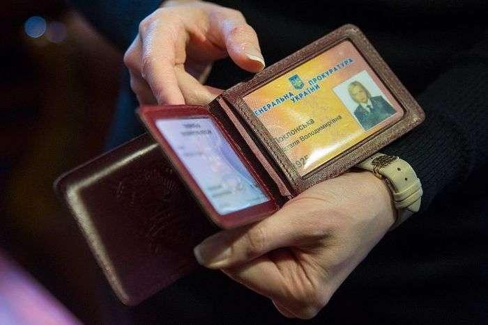 Знімки з нової фотосесії прокурора Криму Наталії Поклонської (10 фото)
