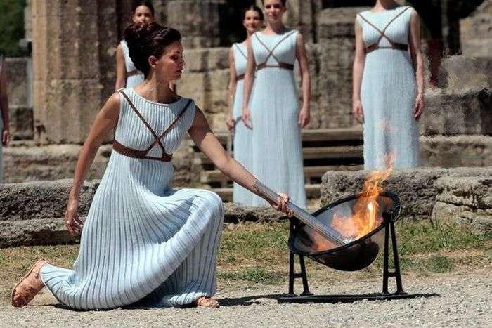 У Греції запалили вогонь Олімпіади-2016 (5 фото)