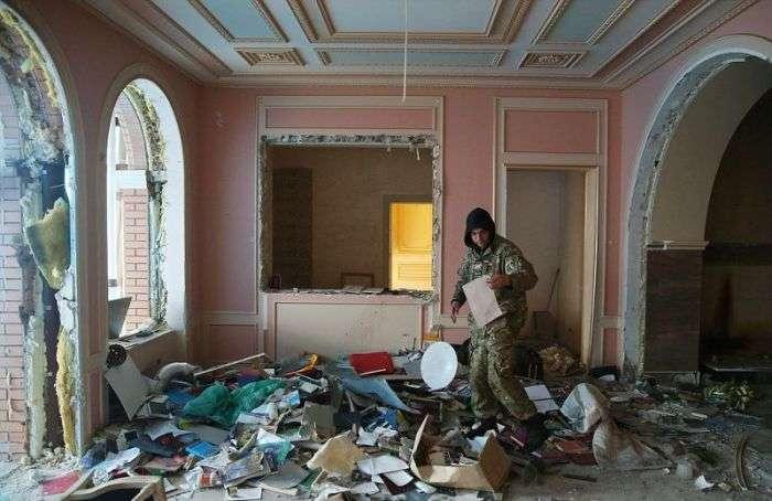 Особняк колишнього генерального прокурора України Віктора Пшонки тоді і зараз (22 фото)