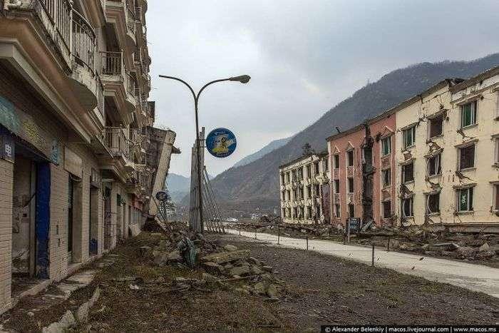 Бейчуань - місто-музей на уламках страшного землетрусу (44 фото)