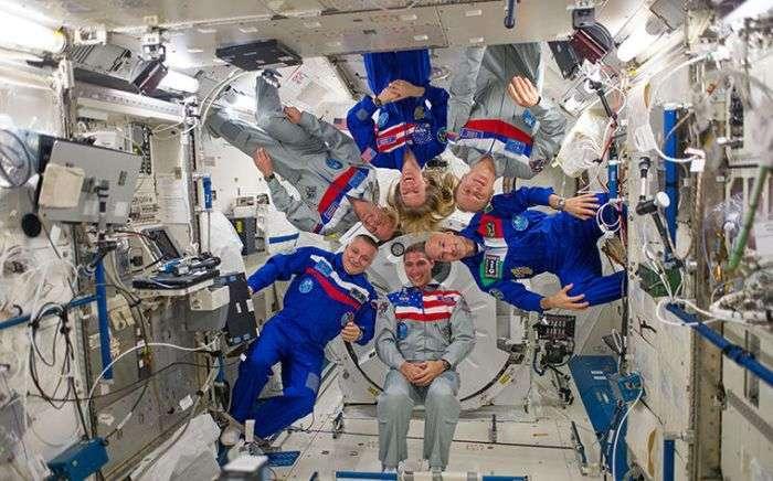 Чого не можна зробити на борту МКС (8 фото)