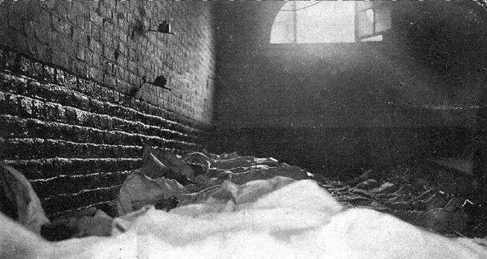 Одна з найбільших у світі підземних катастроф, що сталася 110 років тому (17 фото)
