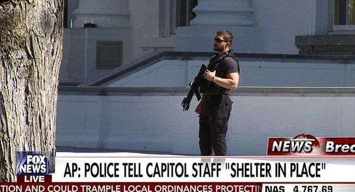 Стрілянина в Капітолії у Вашингтоні (2 фото)