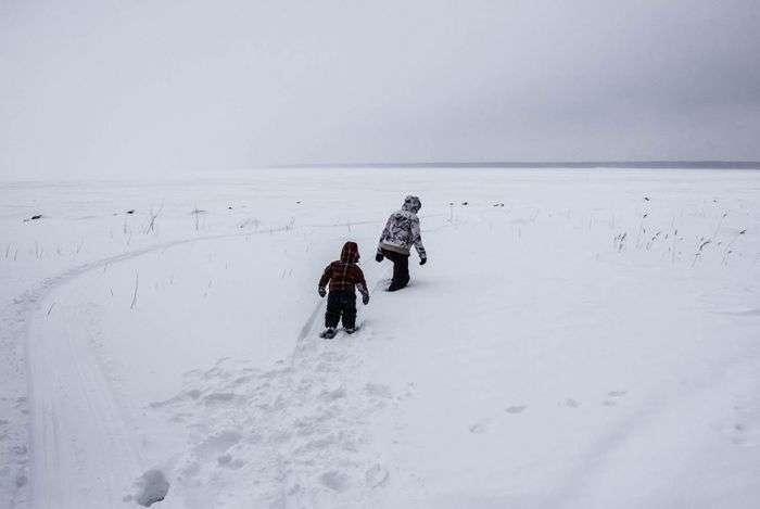 Життя російських дауншифтерів на острові в Губернському водосховище (21 фото)