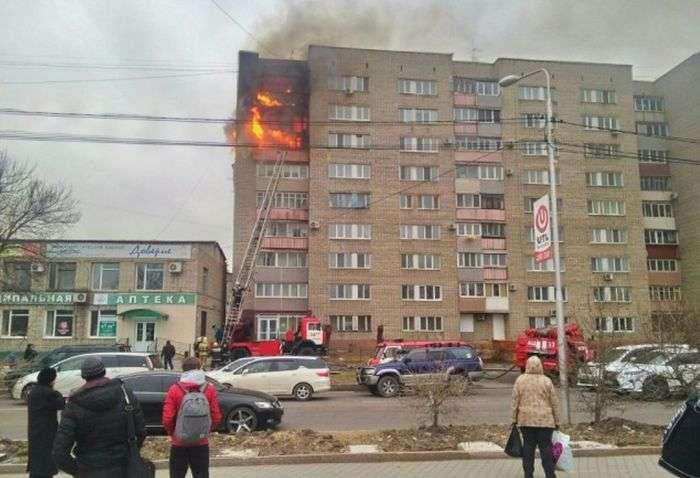 В Уссурійську роззяви, які знімали пожежу, забули викликати пожежних (3 фото)