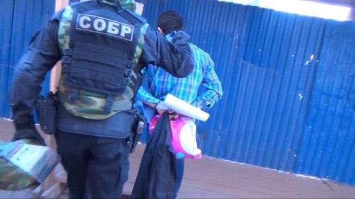 У Санкт-Петербурзі затриманий передбачуваний бойовик ИГИЛ (3 фото)