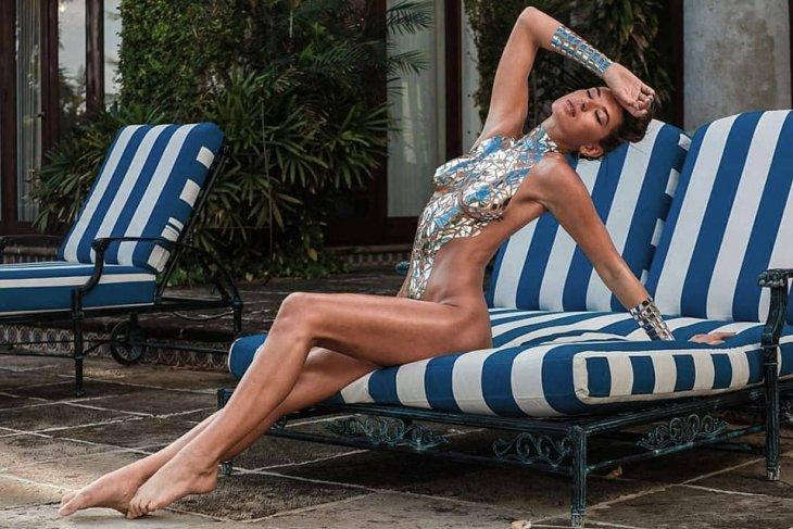 Мода на купальники из изоленты — возвращается в 2019 году интересное