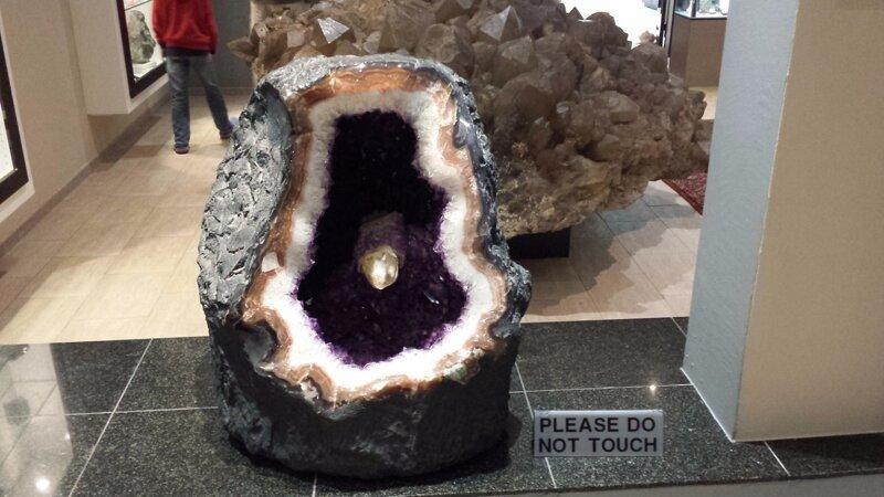 Галерея кристаллов и самый большой в мире известный кристалл кварца Интересное