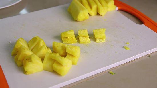 Салат из курицы с черносливом и ананасом. Рецепт и особенности приготовления Кулинария