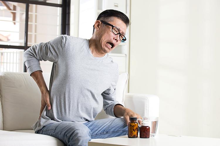 Трещина шейки бедра: симптомы, диагностика, лечение и последствия Здоровье