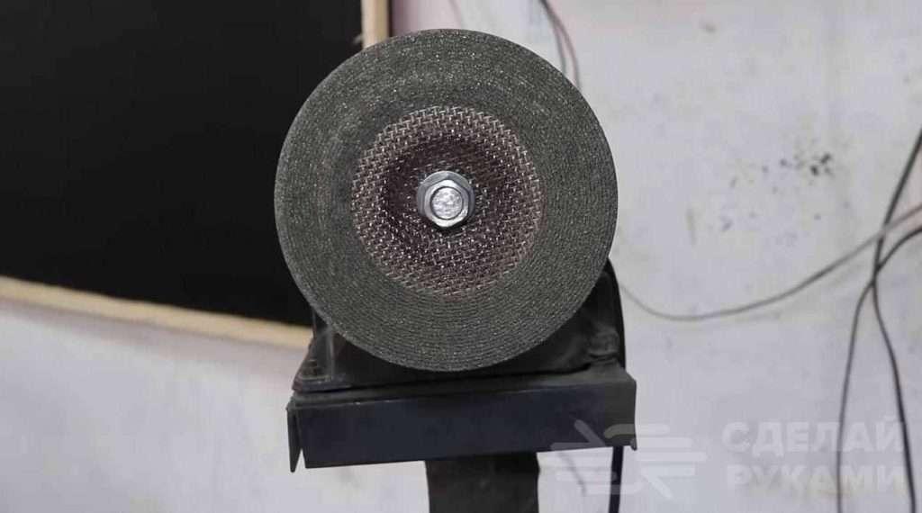Столик с регулируемым упором для наждачного станка Самоделки