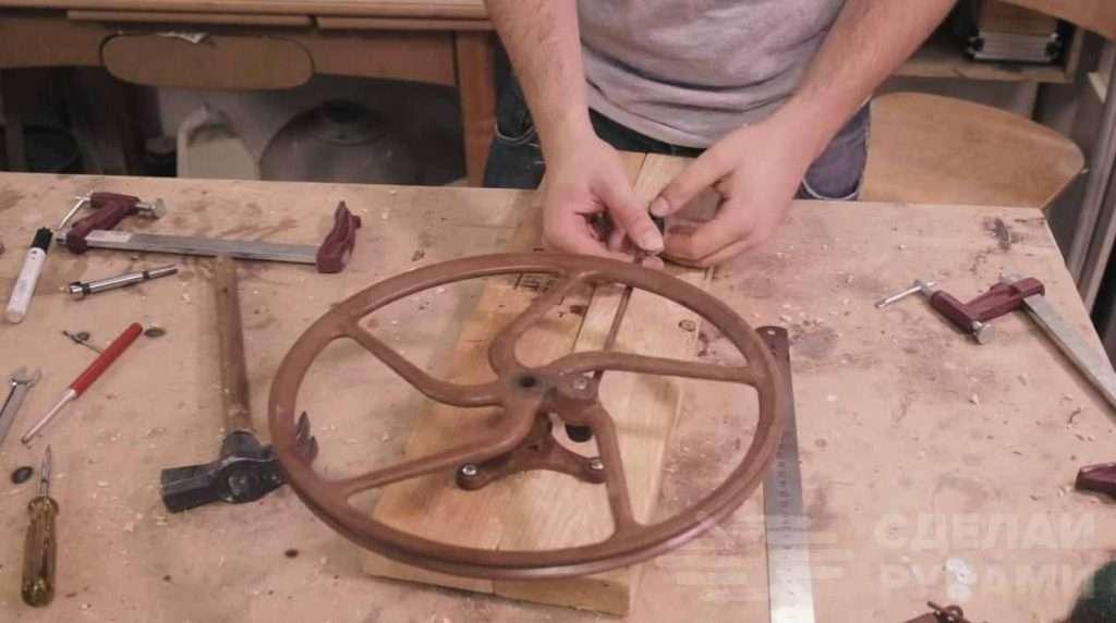 Как сделать «умную вешалку» для цветочного горшка Самоделки