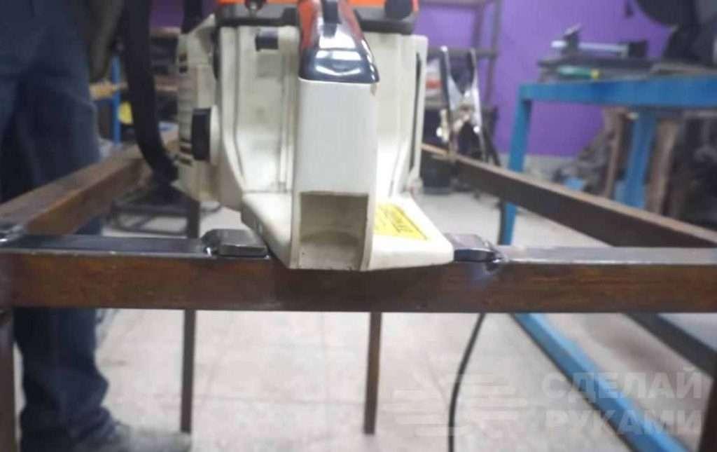 Самодельный распиловочный стол из бензопилы Самоделки