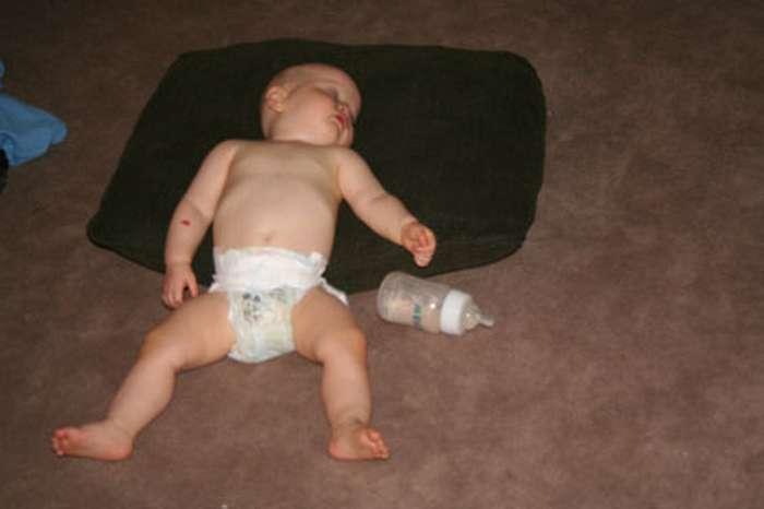 18фото детей, которые могут уснуть где угодно ибез мягкой подушки Интересное
