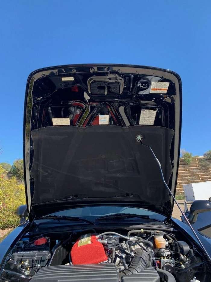 Десятилетний родстер Honda S2000 почти без пробега авто