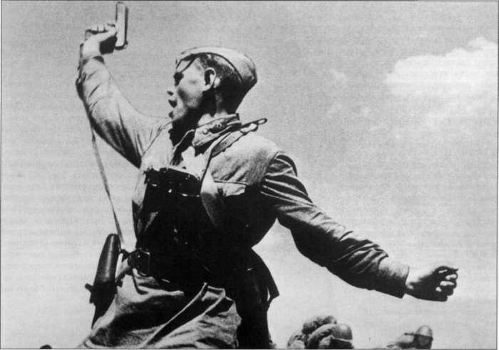 Почему советские офицеры носили пистолет справа на ремне, а немецкие — слева Интересное