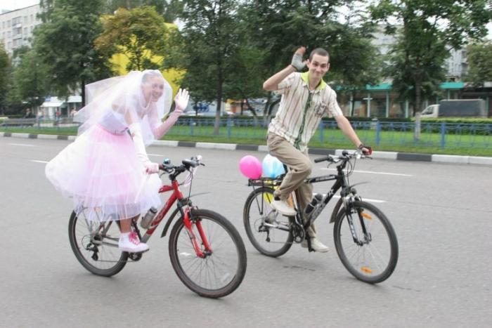 Веселый способ отпраздновать свадьбу, смотрим