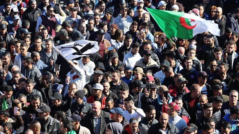 Как победить больного упыря, который 20 лет у власти Алжир