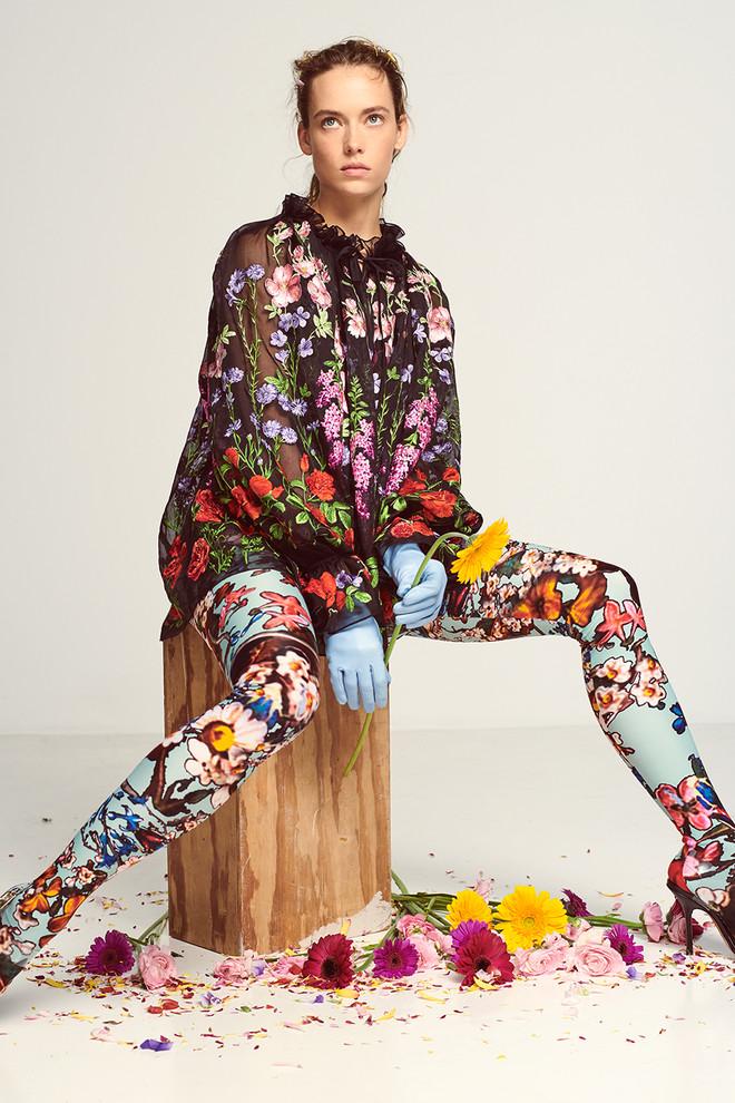 Цветочная поляна: нежные девичьи образы, сотканные из цветочного принта и хайку японских поэтесс лучшее